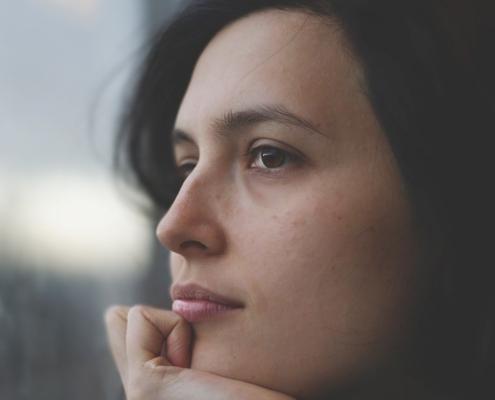 woman-thinking